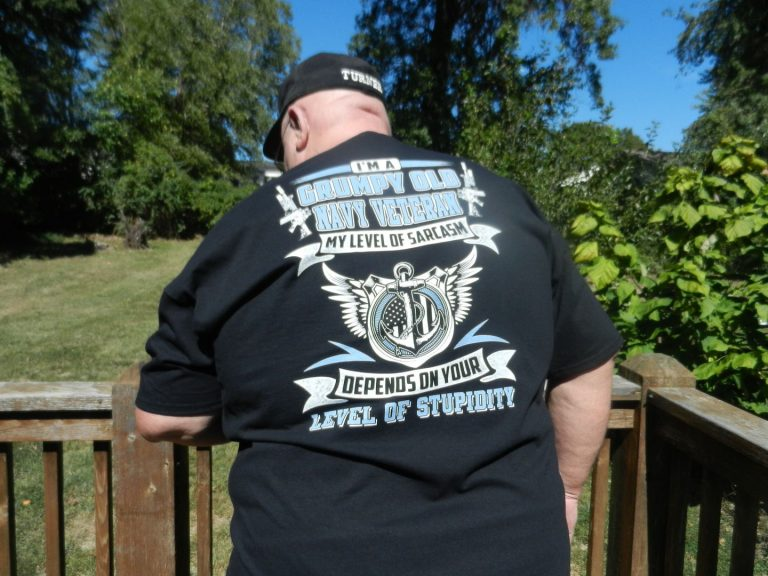 I'M A GRUMPY OLD NAVY VETERAN MY LEVEL OF SARCASM T shirt photo review